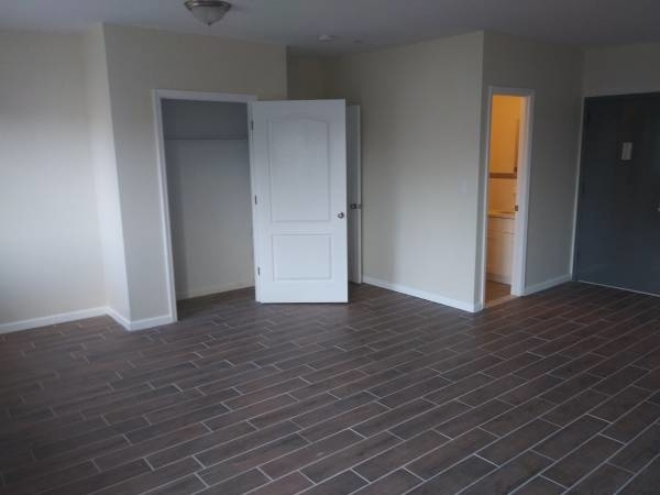 2 Bedrooms, South Corona Rental in NYC for $2,800 - Photo 2