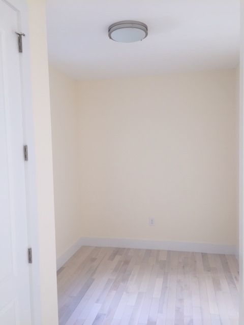 3 Bedrooms, Beverley Square East Rental in NYC for $2,900 - Photo 2