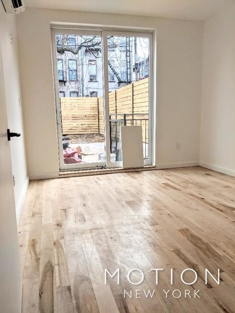 Room, Ridgewood Rental in NYC for $1,075 - Photo 2
