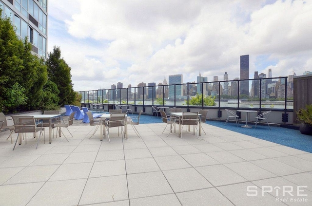 1 Bedroom, Hunters Point Rental in NYC for $2,495 - Photo 1