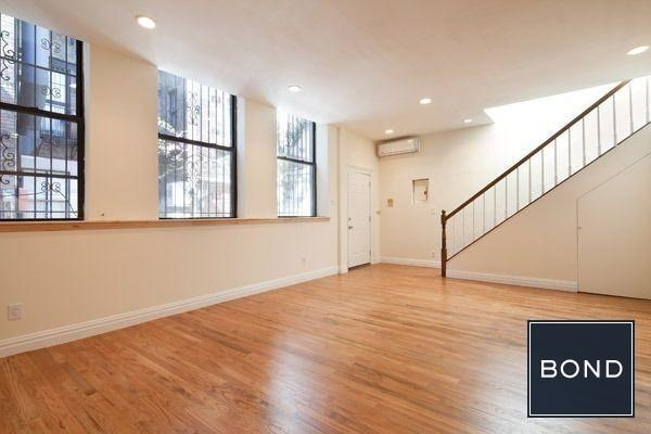 2 Bedrooms, East Village Rental in NYC for $7,200 - Photo 2