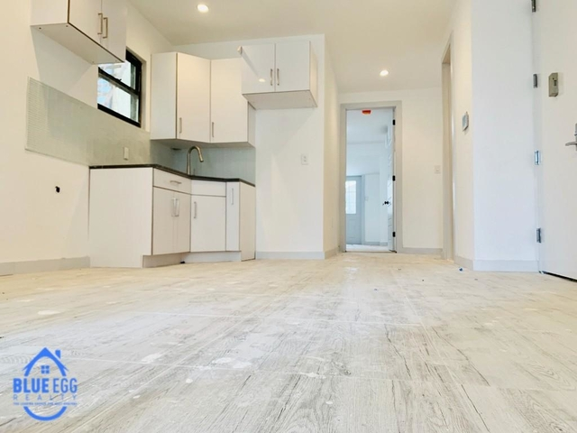 4 Bedrooms, Foxhurst Rental in NYC for $2,750 - Photo 2