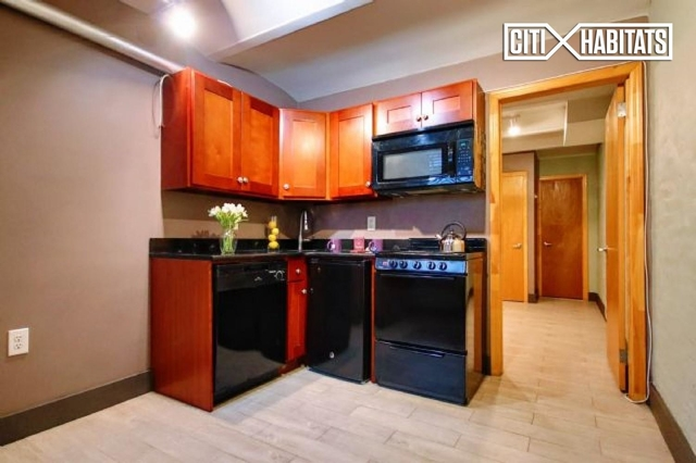 Studio, Alphabet City Rental in NYC for $1,990 - Photo 2