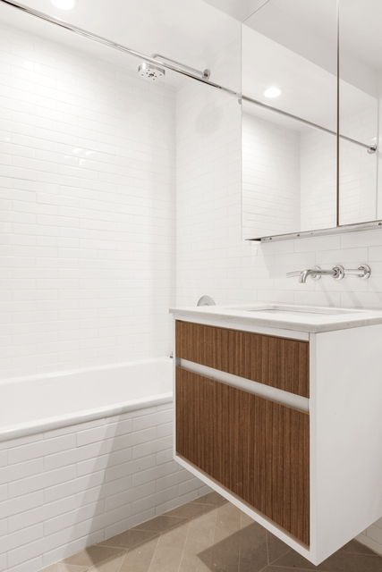 1 Bedroom, Chelsea Rental in NYC for $4,300 - Photo 2