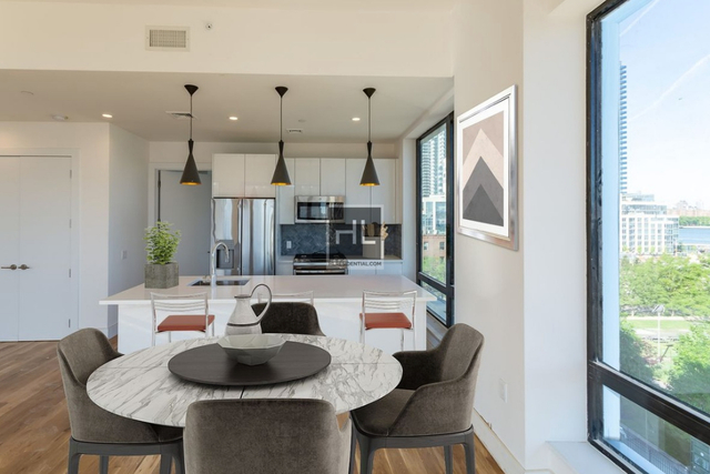2 Bedrooms, Williamsburg Rental in NYC for $6,129 - Photo 1
