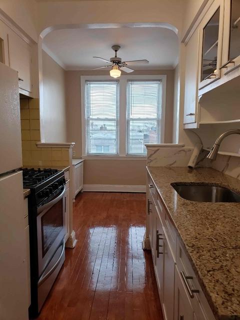 2 Bedrooms, Astoria Rental in NYC for $2,300 - Photo 1