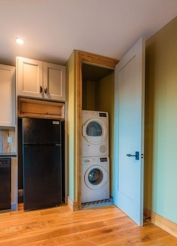 2 Bedrooms, Williamsburg Rental in NYC for $4,217 - Photo 2