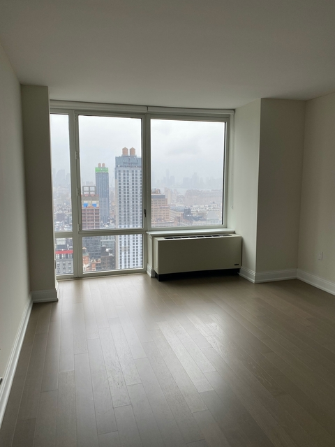 1 Bedroom, Chelsea Rental in NYC for $2,946 - Photo 2