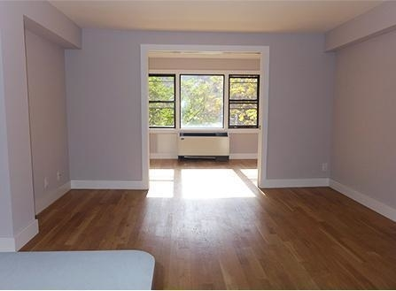 2 Bedrooms, Turtle Bay Rental in NYC for $3,000 - Photo 2