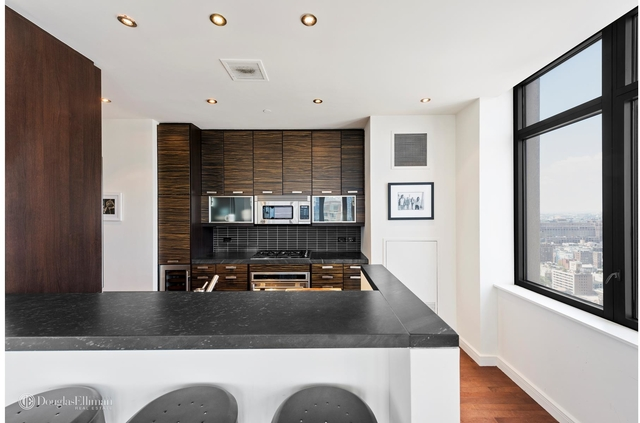 2 Bedrooms, Chelsea Rental in NYC for $9,500 - Photo 1
