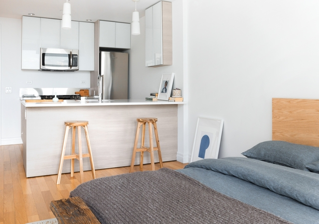 Studio, Hell's Kitchen Rental in NYC for $3,204 - Photo 1