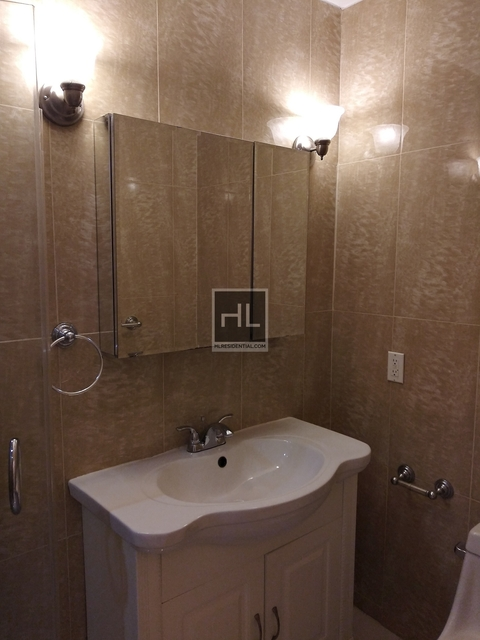 3 Bedrooms, Glendale Rental in NYC for $2,295 - Photo 2