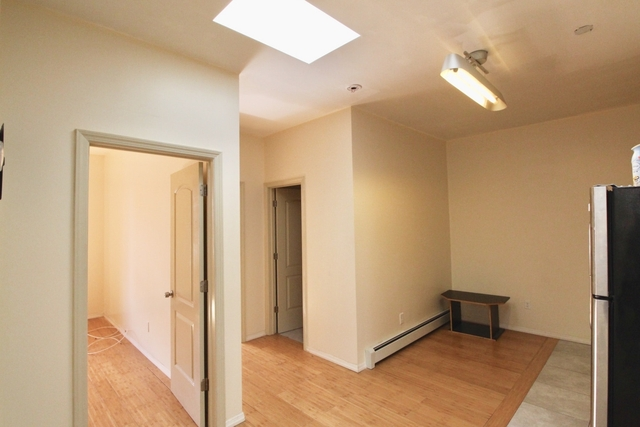 2 Bedrooms, East Williamsburg Rental in NYC for $2,200 - Photo 1