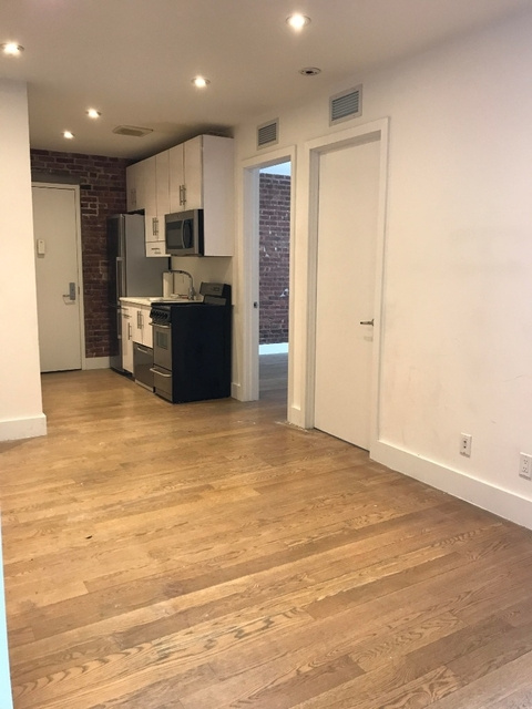 3 Bedrooms, Lower East Side Rental in NYC for $3,799 - Photo 2