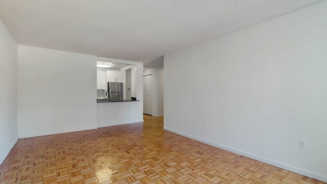1 Bedroom, Hell's Kitchen Rental in NYC for $3,233 - Photo 2