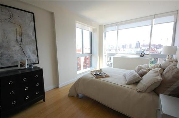 3 Bedrooms, Alphabet City Rental in NYC for $5,350 - Photo 2
