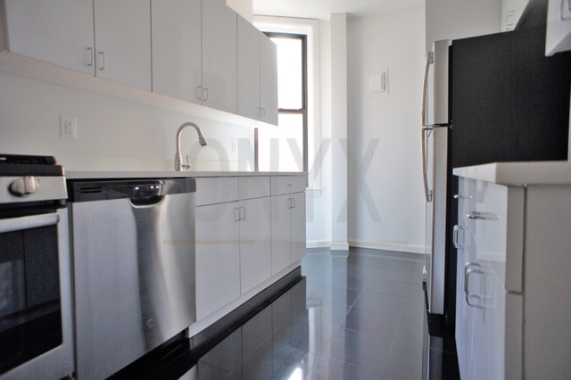 1 Bedroom, Theater District Rental in NYC for $3,800 - Photo 2