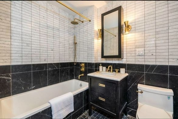 2 Bedrooms, Crown Heights Rental in NYC for $4,083 - Photo 2