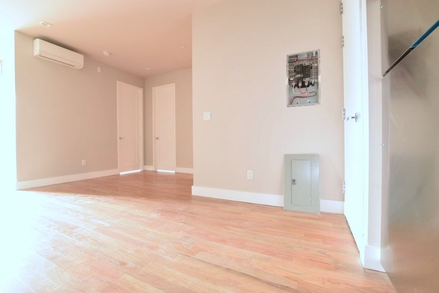 3 Bedrooms, Crown Heights Rental in NYC for $3,649 - Photo 1