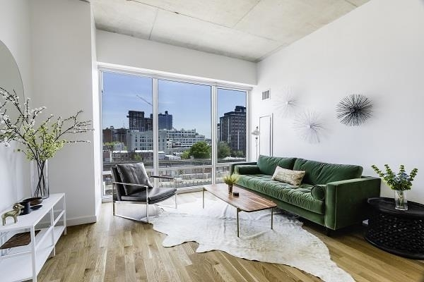 2 Bedrooms, Long Island City Rental in NYC for $3,784 - Photo 1