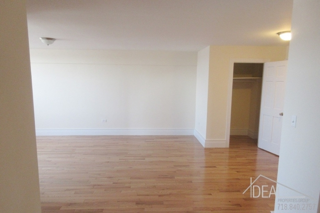2 Bedrooms, Gravesend Rental in NYC for $2,300 - Photo 2