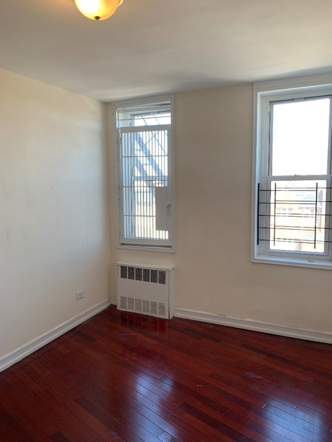 2 Bedrooms, Gravesend Rental in NYC for $2,450 - Photo 2