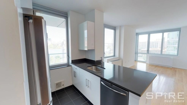 Studio, Hunters Point Rental in NYC for $2,495 - Photo 2