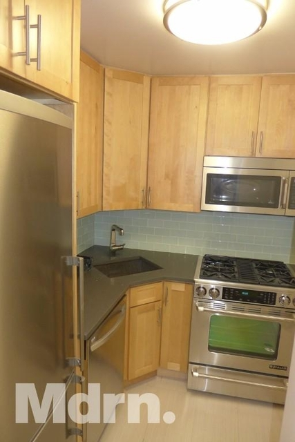 2 Bedrooms, Turtle Bay Rental in NYC for $3,495 - Photo 2