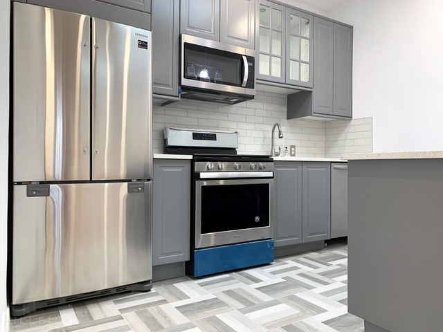 4 Bedrooms, Middle Village Rental in NYC for $2,995 - Photo 1