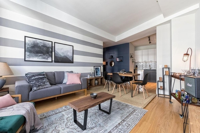 3 Bedrooms, Financial District Rental in NYC for $6,025 - Photo 1
