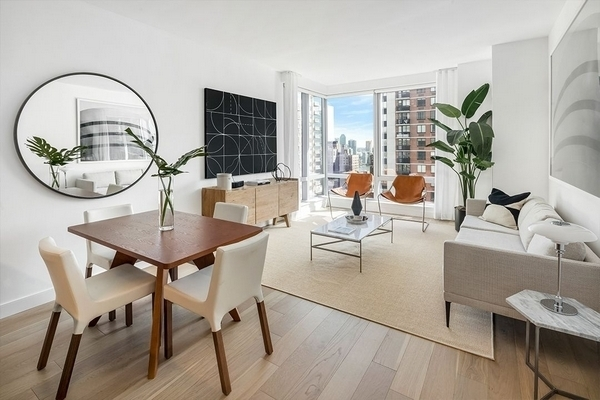 2 Bedrooms, Murray Hill Rental in NYC for $6,679 - Photo 2