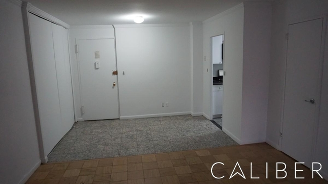 2 Bedrooms, Upper East Side Rental in NYC for $3,392 - Photo 2