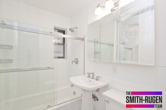 2 Bedrooms, Hudson Square Rental in NYC for $5,200 - Photo 2