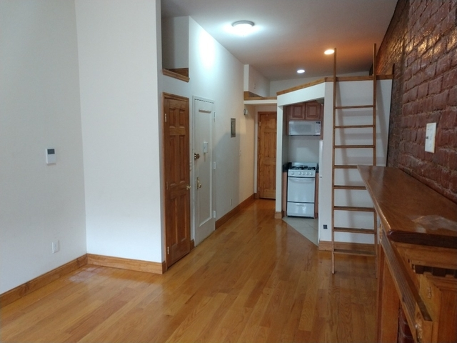 Loft, Hell's Kitchen Rental in NYC for $2,150 - Photo 2
