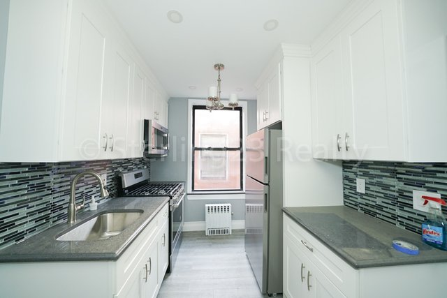 3 Bedrooms, Astoria Rental in NYC for $2,700 - Photo 1