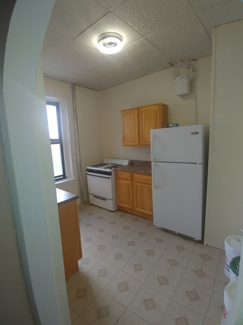 2 Bedrooms, Kingsbridge Rental in NYC for $2,090 - Photo 1