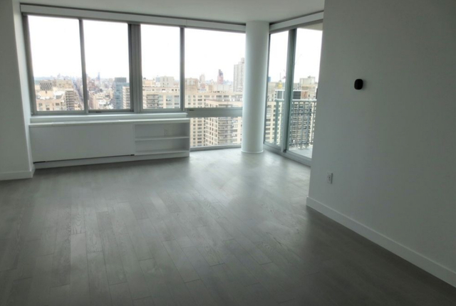 2 Bedrooms, Lincoln Square Rental in NYC for $6,880 - Photo 1