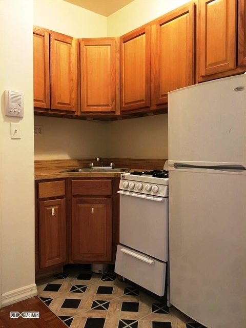 2 Bedrooms, Gramercy Park Rental in NYC for $2,875 - Photo 2