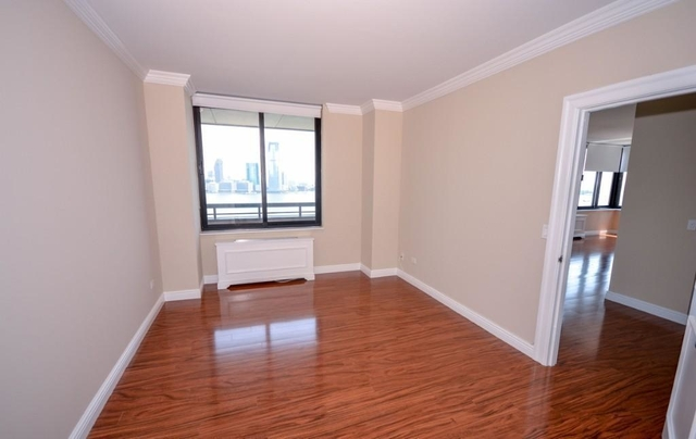 2 Bedrooms, Battery Park City Rental in NYC for $3,300 - Photo 1