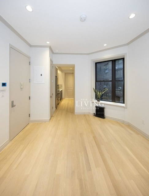 3 Bedrooms, West Village Rental in NYC for $6,250 - Photo 2