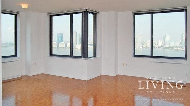 2 Bedrooms, Battery Park City Rental in NYC for $5,700 - Photo 1