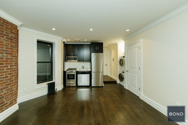 3 Bedrooms, Hudson Square Rental in NYC for $6,695 - Photo 1