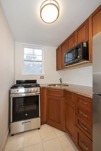 Studio, Turtle Bay Rental in NYC for $2,584 - Photo 2