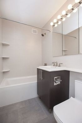 3 Bedrooms, Gramercy Park Rental in NYC for $7,350 - Photo 2