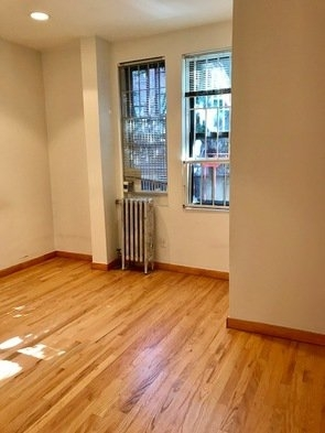 1 Bedroom, Carnegie Hill Rental in NYC for $2,095 - Photo 1