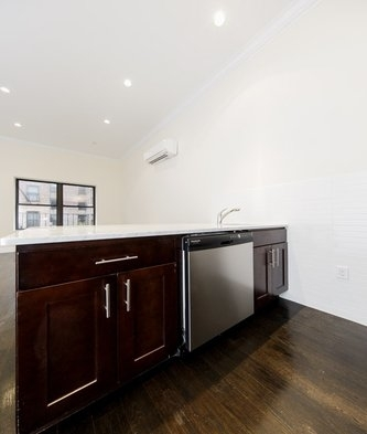 5 Bedrooms, Yorkville Rental in NYC for $7,995 - Photo 2