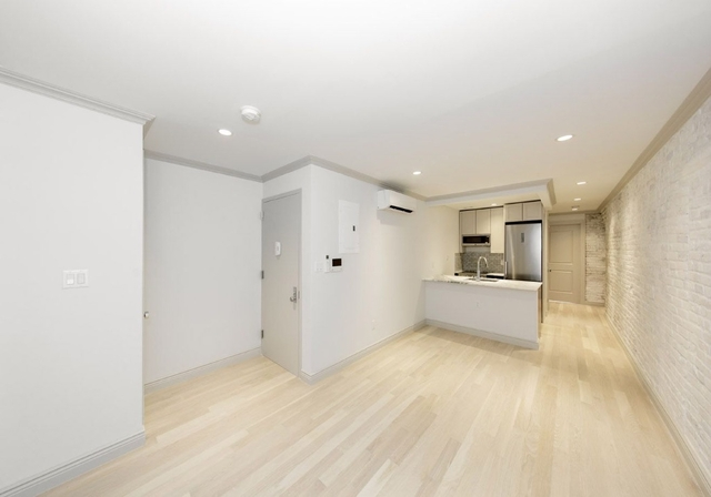 2 Bedrooms, East Village Rental in NYC for $5,650 - Photo 2