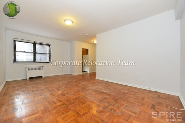 2 Bedrooms, Astoria Rental in NYC for $2,383 - Photo 1
