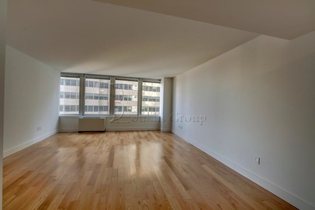 3 Bedrooms, Financial District Rental in NYC for $4,799 - Photo 2