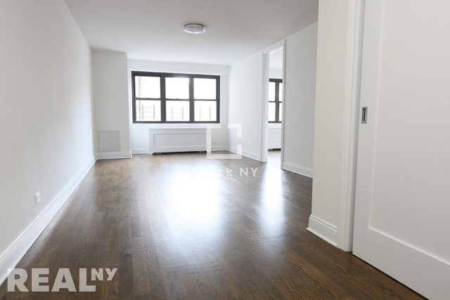 3 Bedrooms, Gramercy Park Rental in NYC for $6,500 - Photo 2